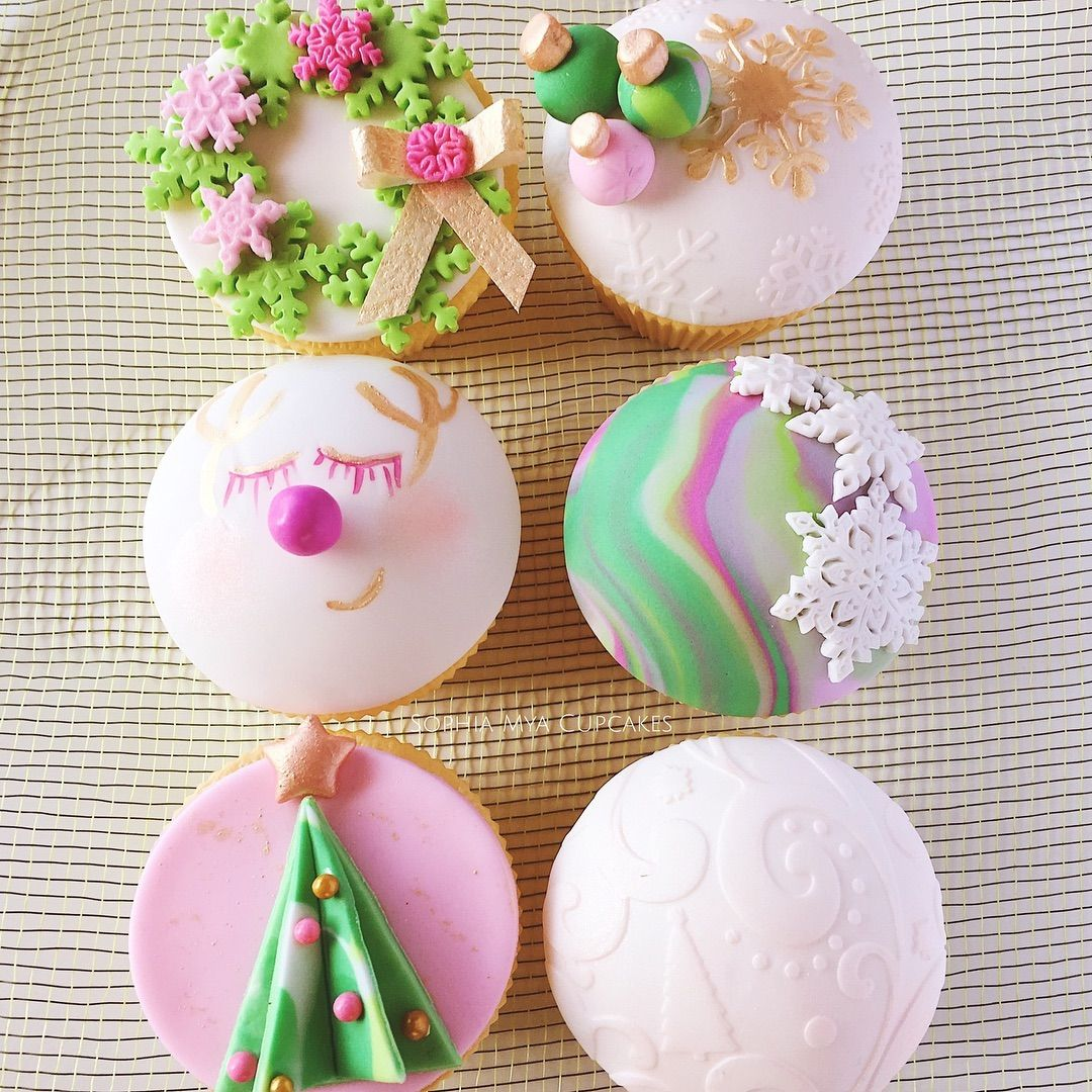 Pin by Wiway Jhaee on Cakes Unlimited in 2020 | Christmas cupcakes, Christmas cake, Cupcakes
