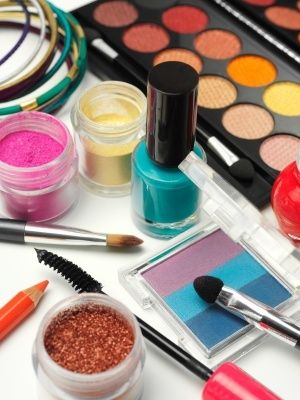 Free cosmetics, makeup and beauty samples from brand name companies