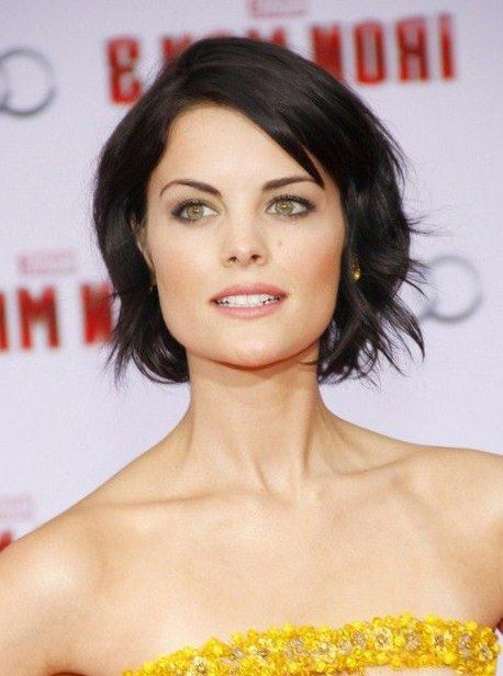 Short Hairstyles For Square Faces Nice Hairstyles For Square Faces  The Right Hairstyles For You