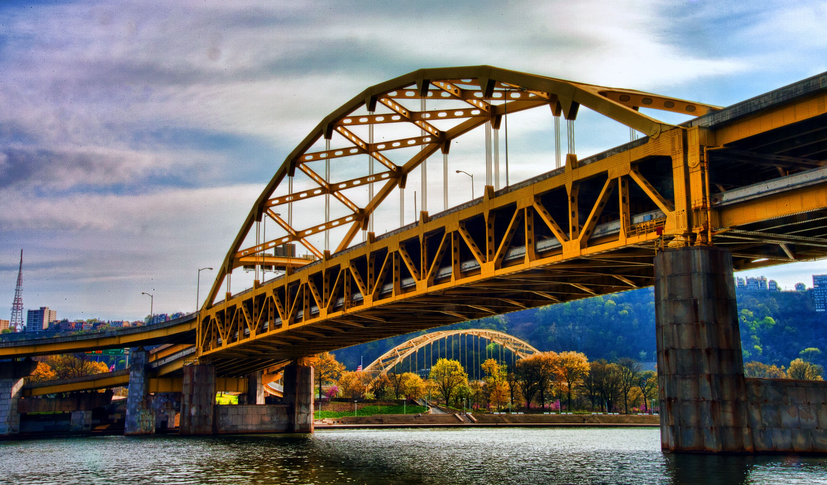 What is the Fort Pitt Bridge?