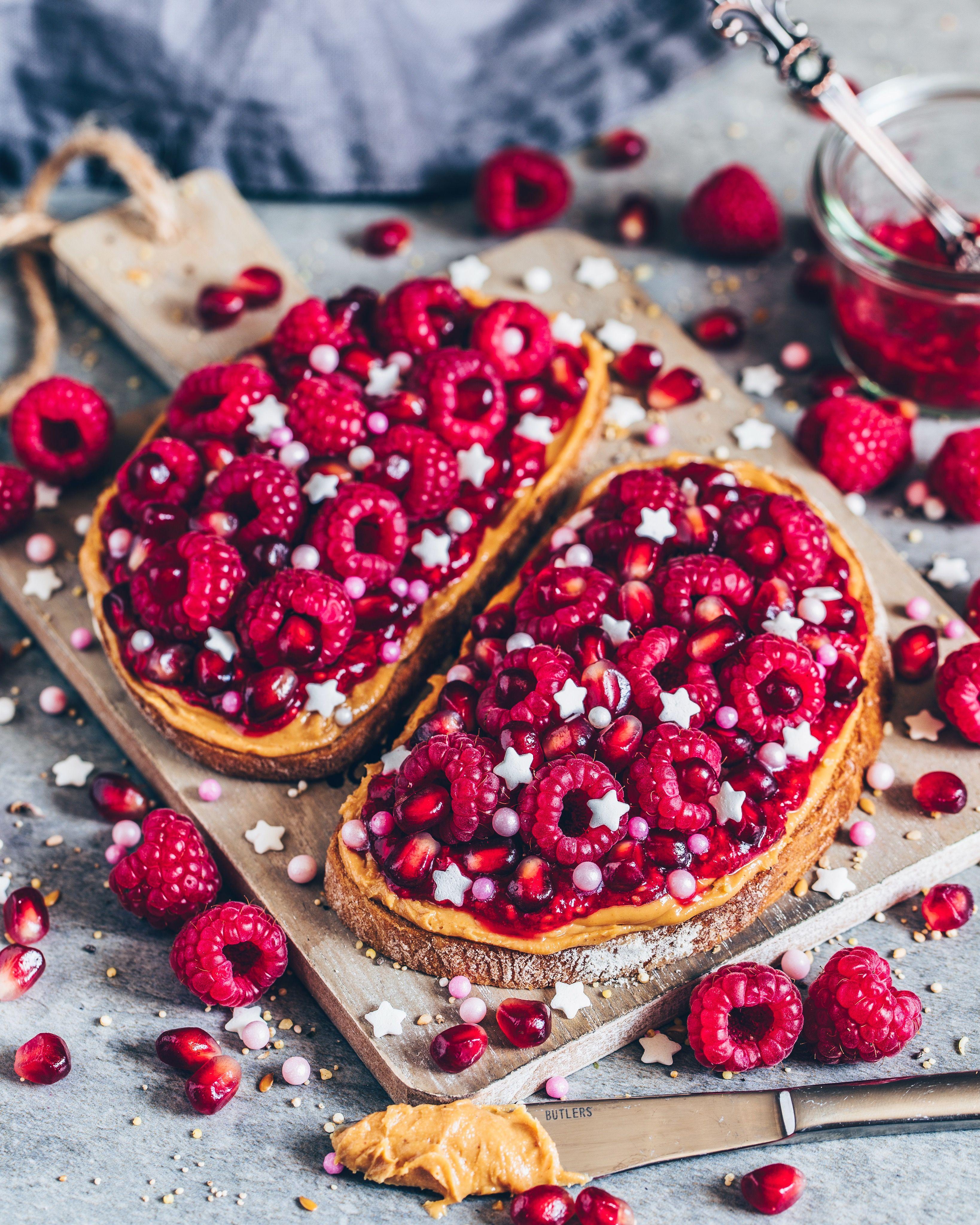 Erdnussbutter Beeren Toast – Bianca Zapatka #peanutrecipes