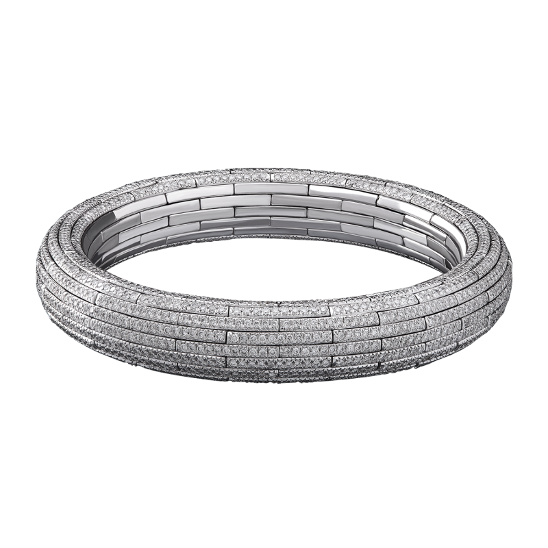 Classic Embrace Bangle In a feat of artistic engineering, calibrated links come together in a circle, infinite in its form. When stretched, an elegant, interlocking pattern is revealed.