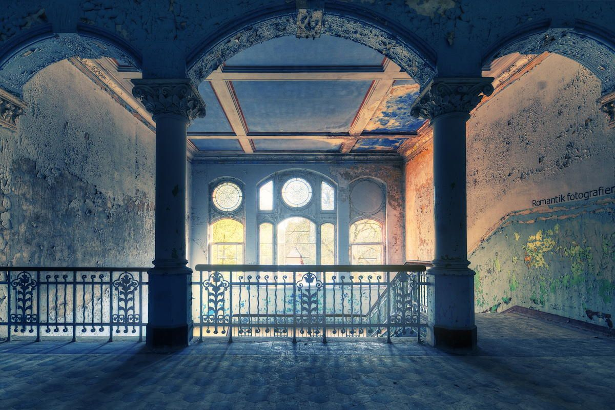 Photograph The beauty of decay. by Daniel Schmitt on 500px