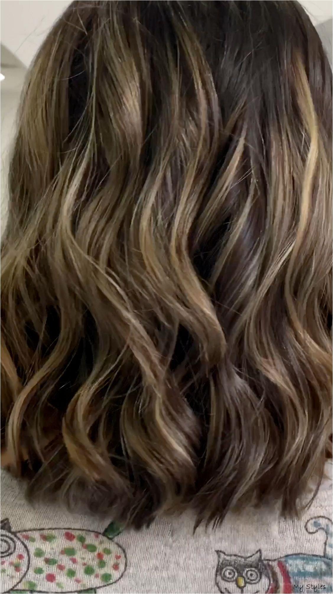 Jan 17 2020 Unas Mechas Muy Claras Cuando Necesita Subir Ma S De 5 Tonos In 2020 Hair Highlights Balayage Hair Front Hair Styles