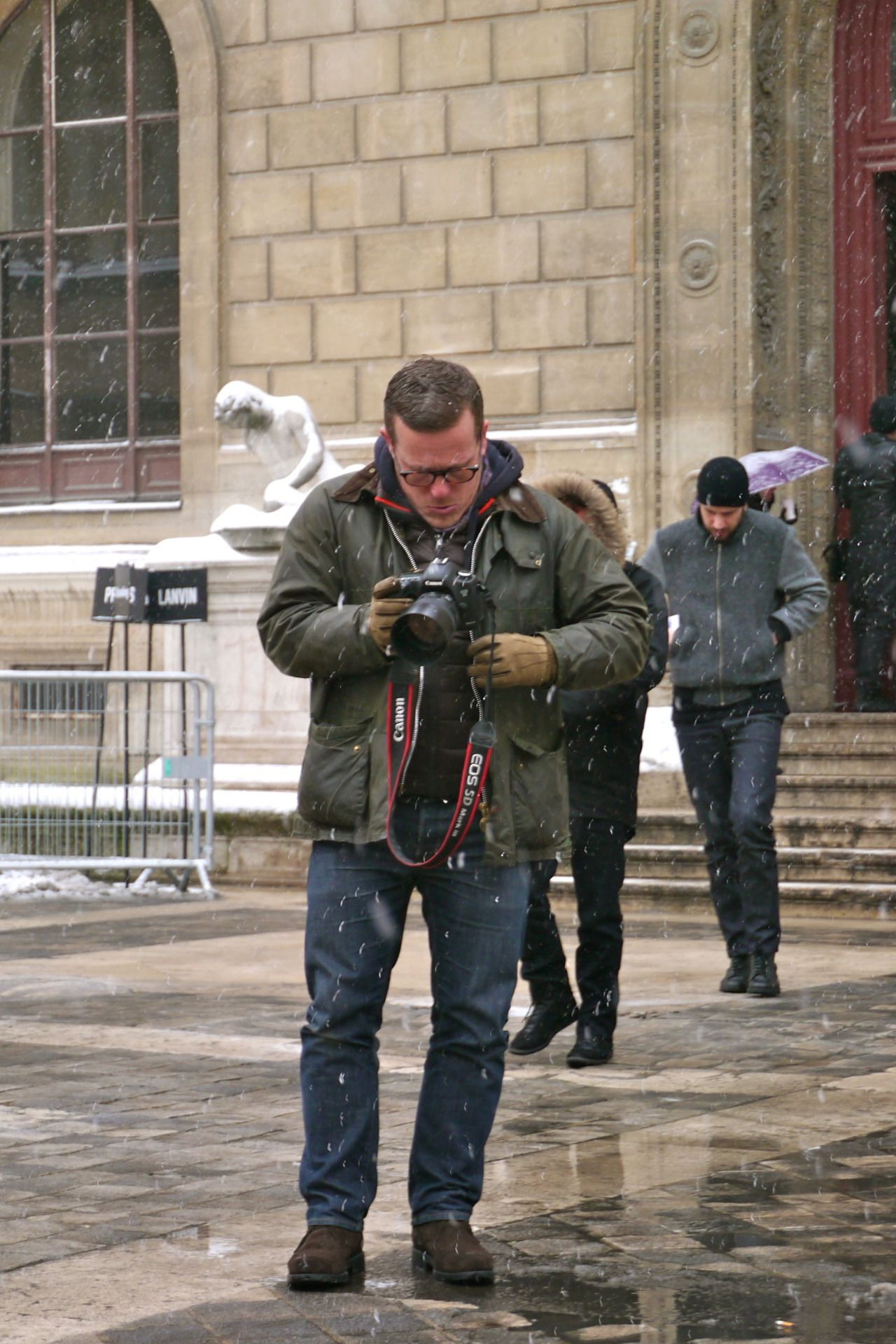 Down Jacket X Hooded Sweatshirt X Barbour Superposition By Scott Schuman Obermeyer Jacket Hooded Sweatshirts Jackets [ 1919 x 1280 Pixel ]