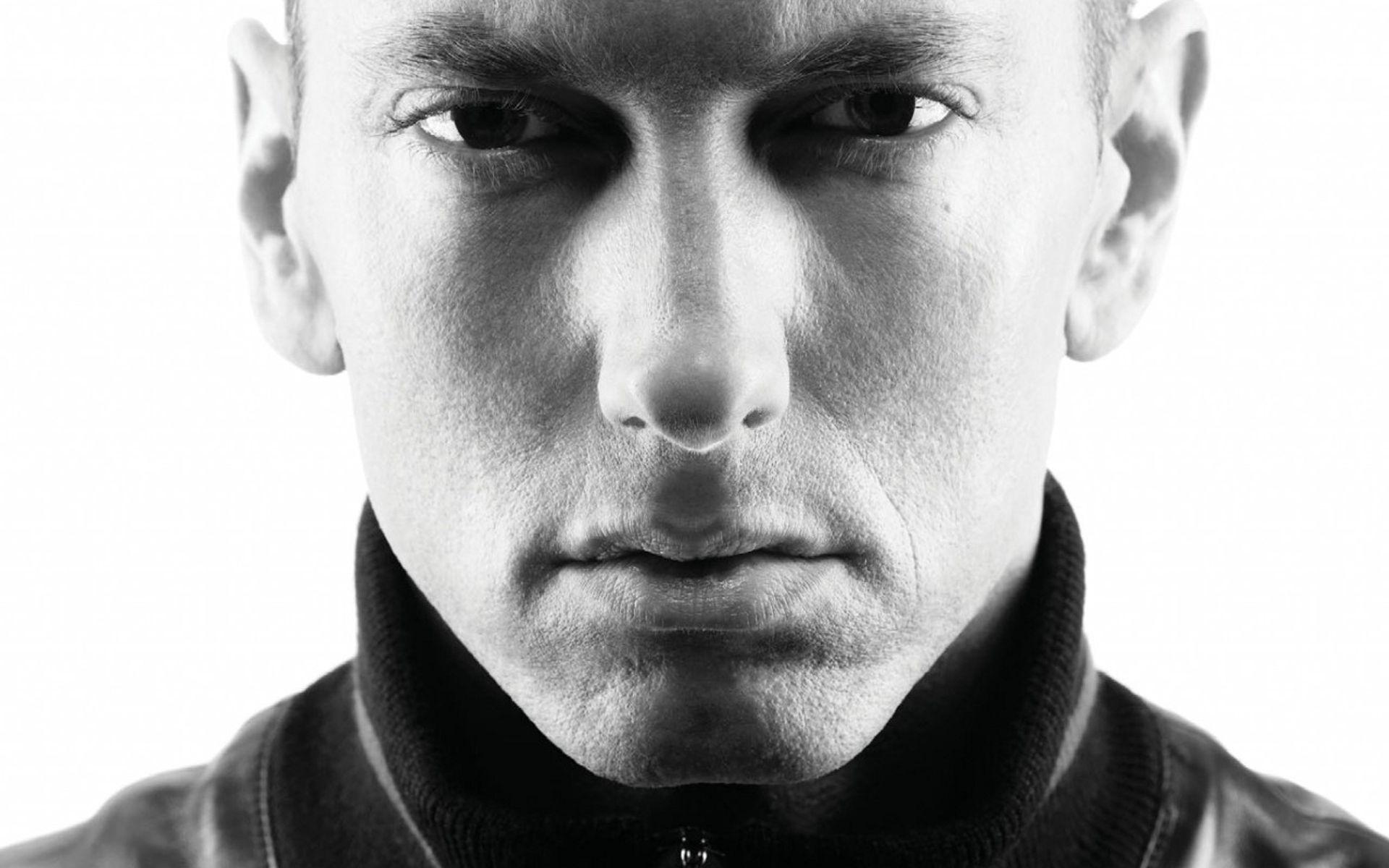 Eminem Pictures and Biography www.Pictures.yt Eminem rap