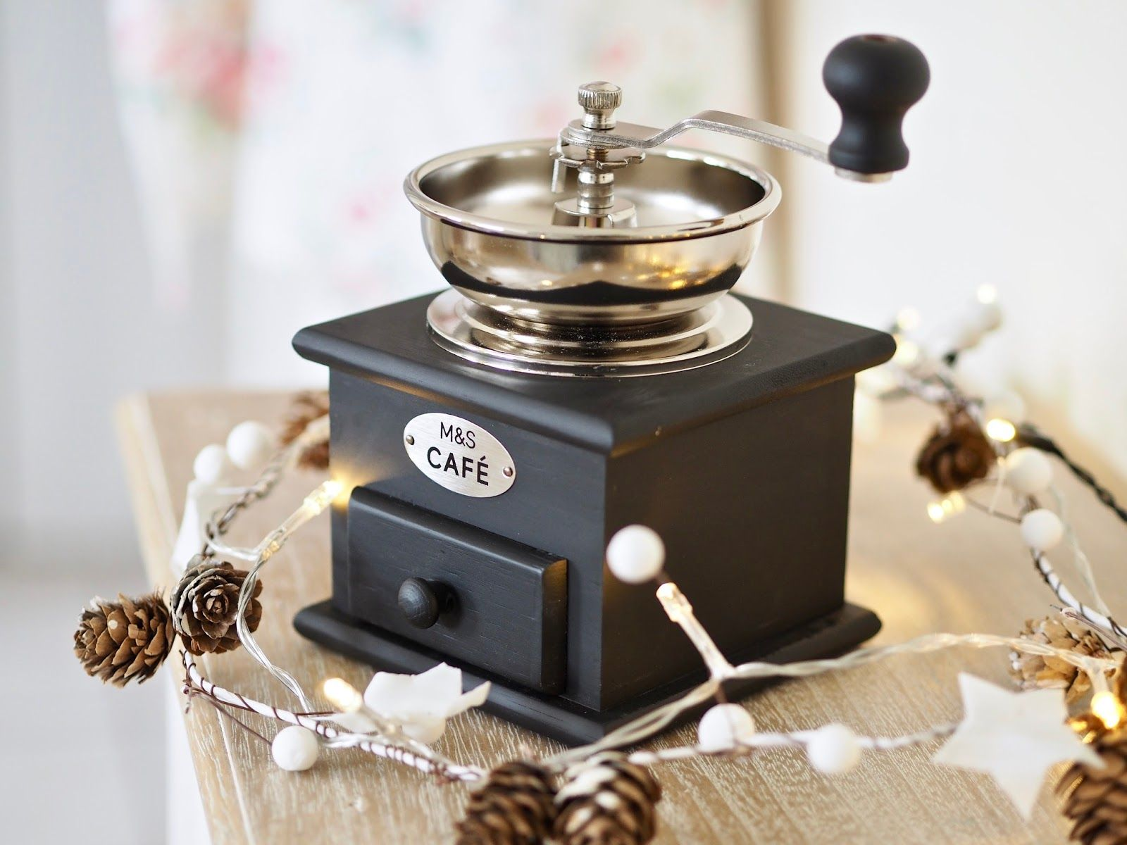 Christmas homeware gifts under €50 with Marks & Spencer