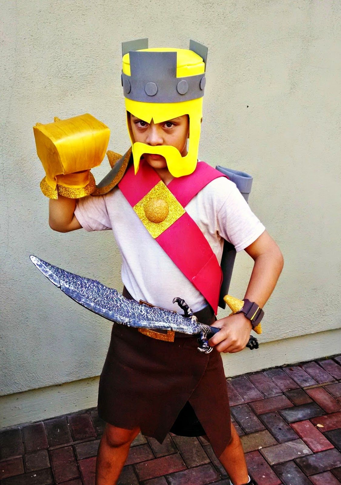 clash of clans barbarian king costume halloween pinterest king costume and costumes. Black Bedroom Furniture Sets. Home Design Ideas