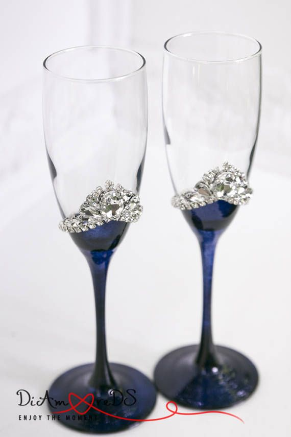 Wedding Champagne Flutes Engraved Bling Wedding Decor Bling Champagne Glasses for Bride and Groom Wedding Centerpiece Bridesmaid Glasses