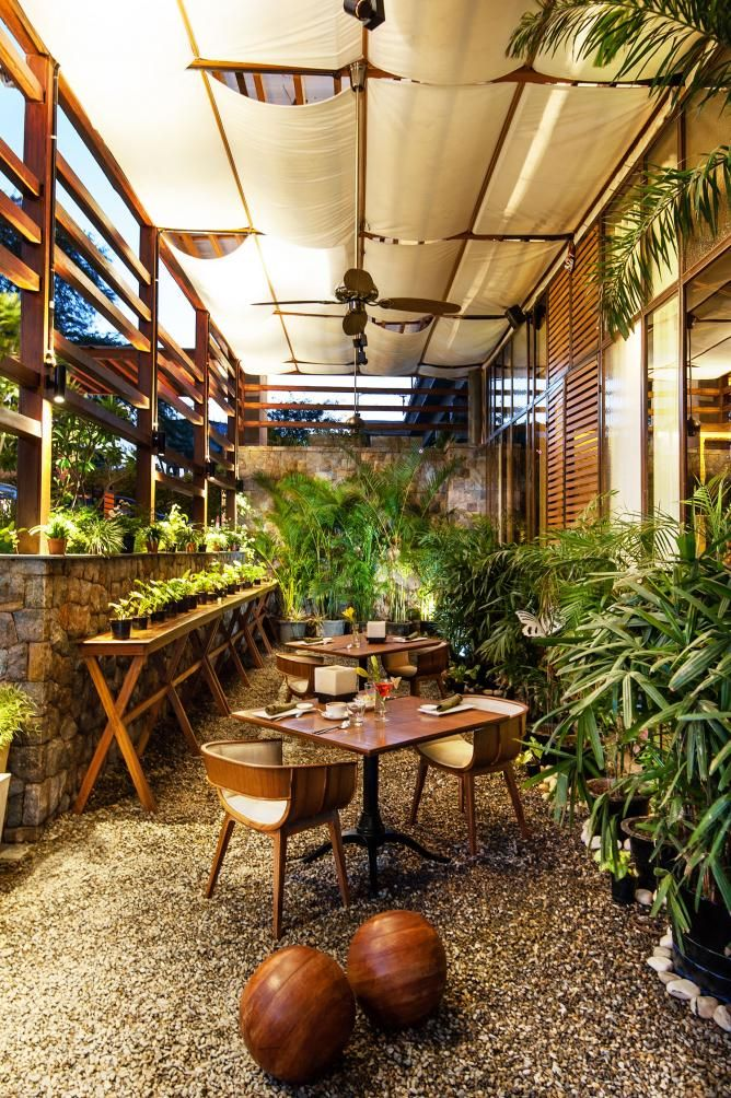 New Delhi S 10 Weekend Brunches And Breakfasts Cafe Design Inspiration Cafe Design Coffee Shop Design
