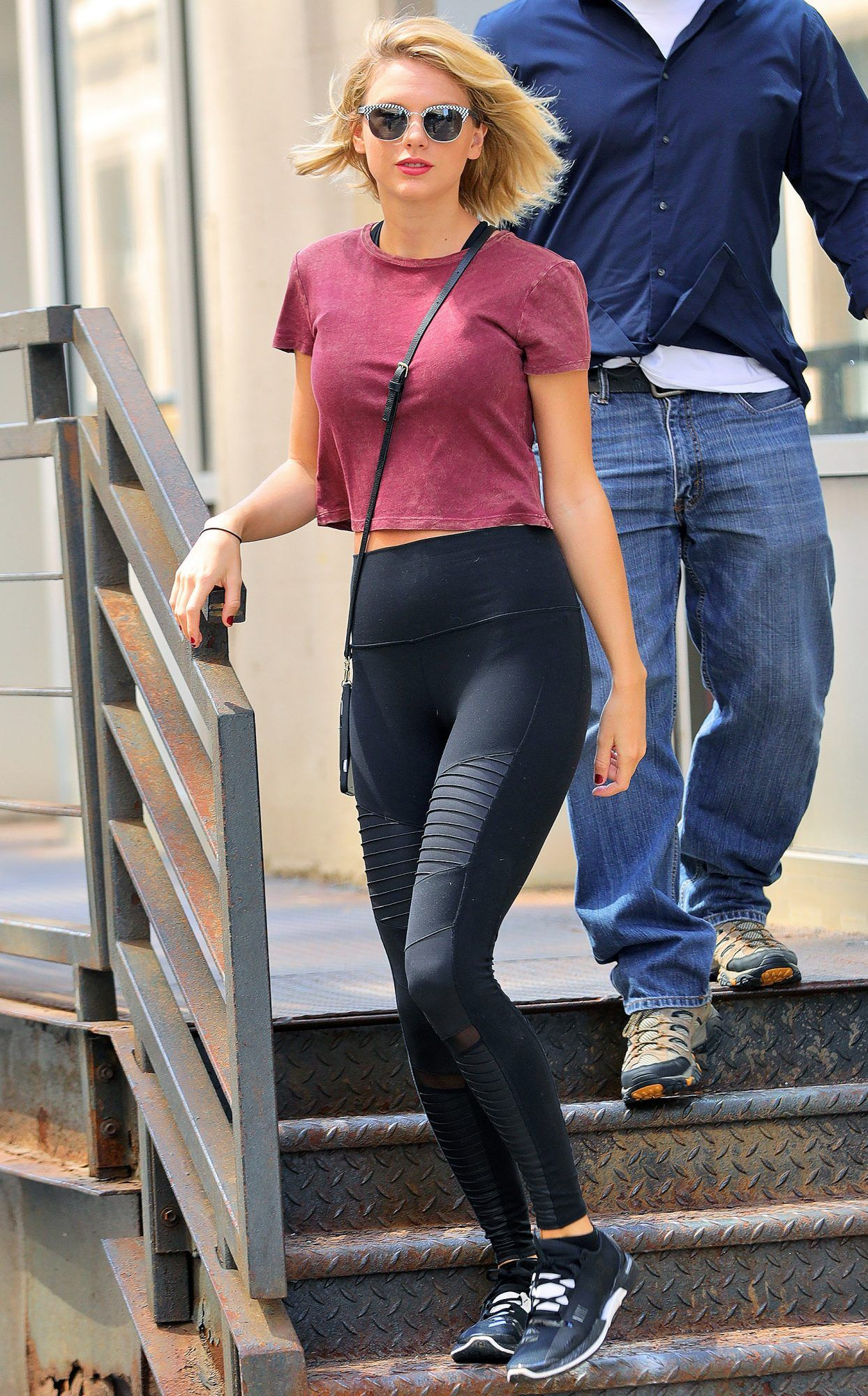 31 actual outfits you can wear with leggings inspired by