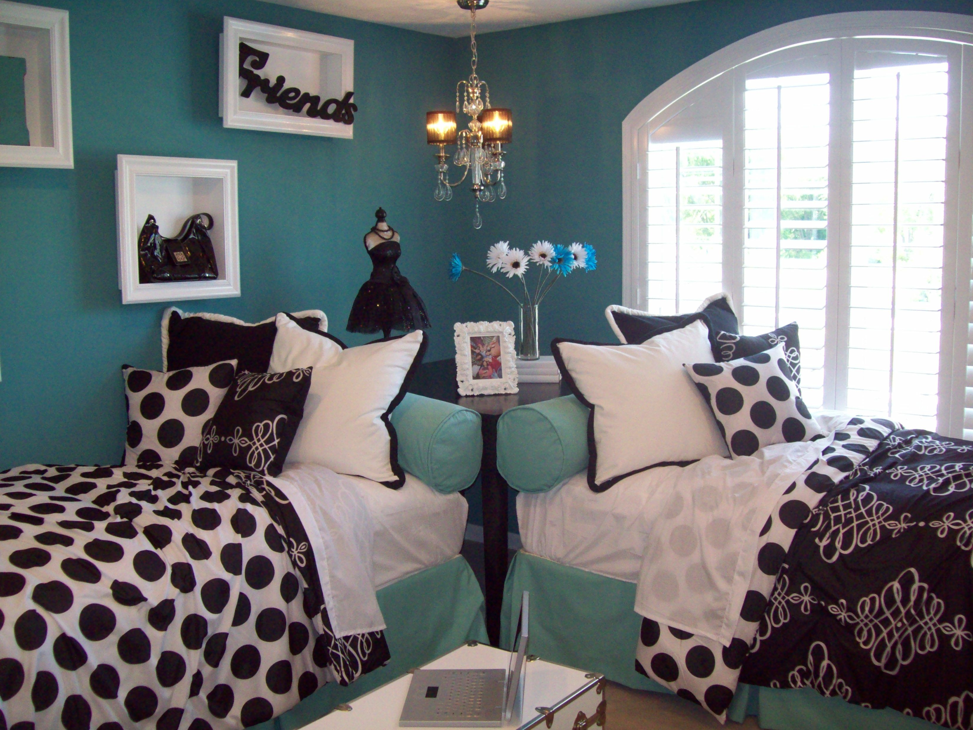 Black, White And Aqua Girls Bedroom