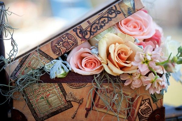 Vintage-Suitcase-Flowers | photography by http://www.allisonbarnhilldesigns.com