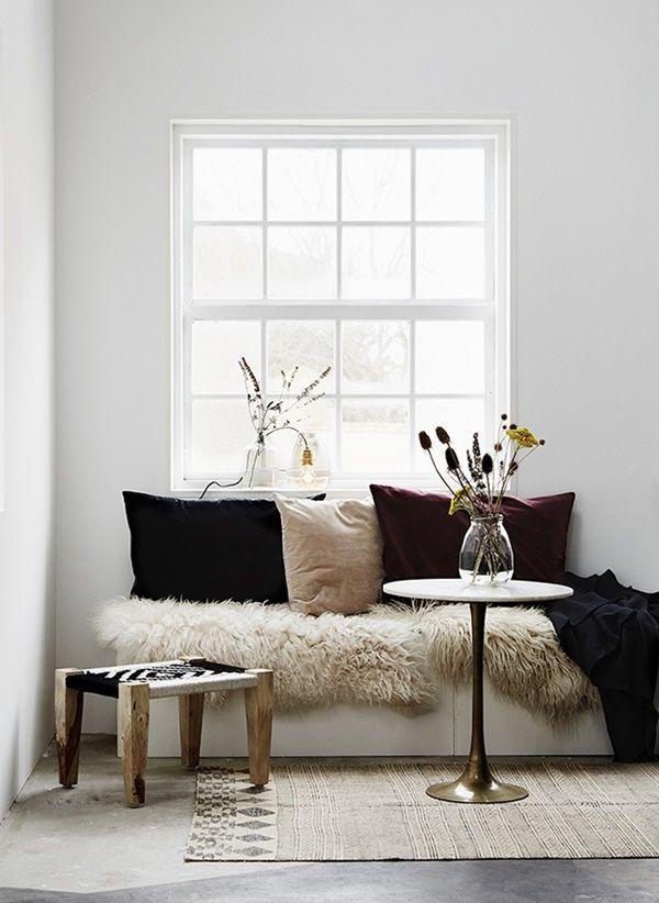 Bankje Raam 600x822 600×822 Pixels | Comfort✨ | Pinterest | Room Ideas,  Living Rooms And Modern Bohemian