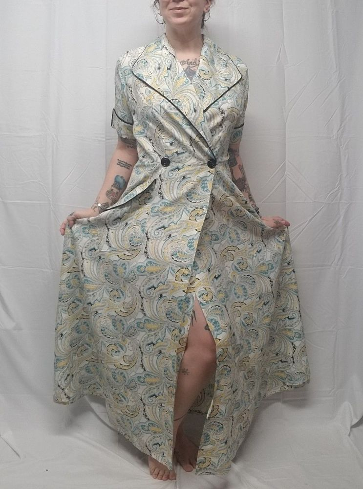 Vtg 50s White Aqua Yellow Paisley Day Dress Dressing Gown Black ...