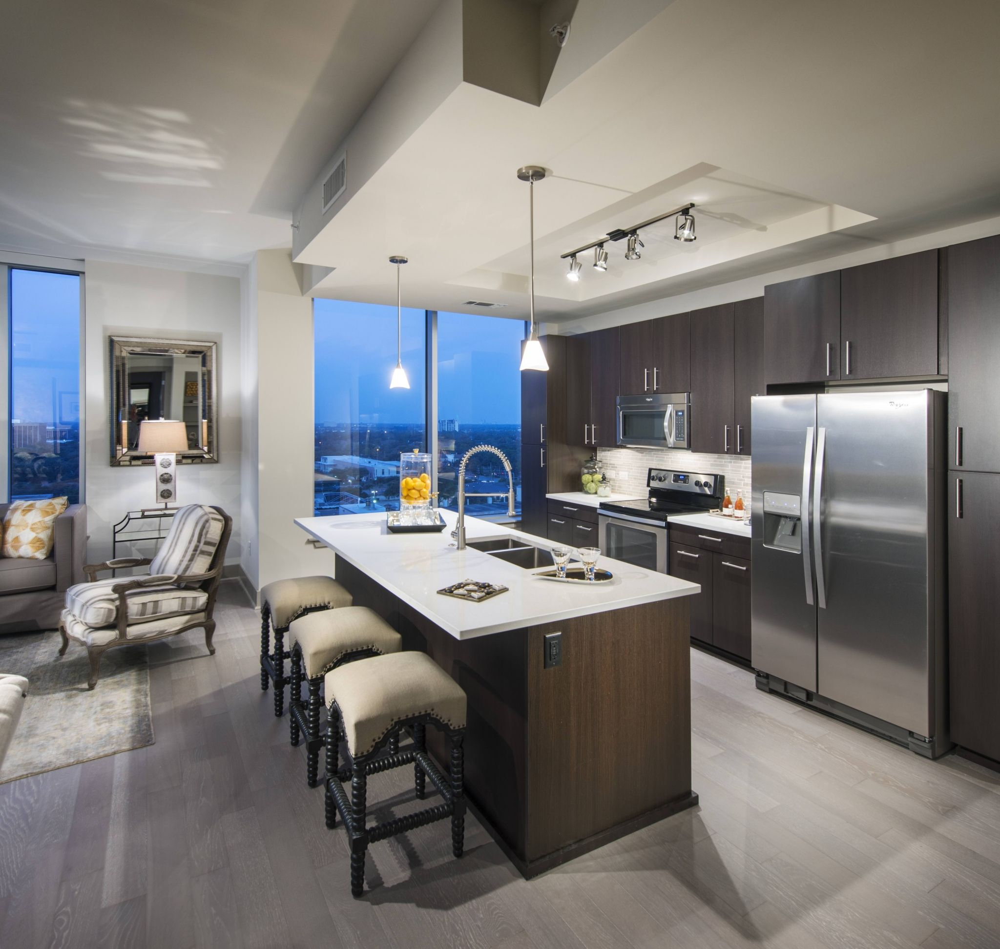 Hanover Post Oak ǀ Gallery ǀ Houston High Rise Apartments Houston Apartment Houston Luxury Luxury Apartments