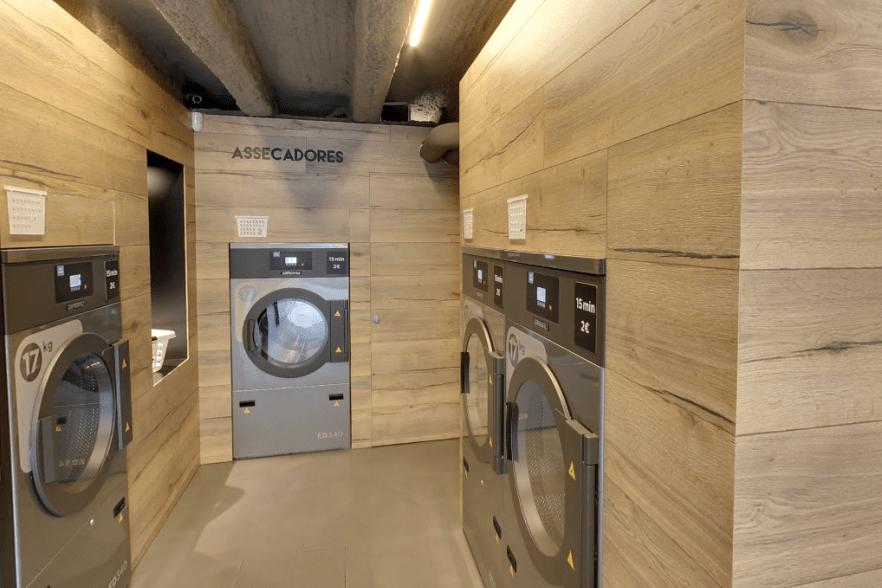 Aprende Como Funciona Una Lavanderia Autoservicio Funcionamiento De Lavadoras Y Secadoras Automaticas Con Billetes Lavanderia Diseno De Lavadero Autoservicio