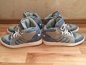 Adidas-Originals-JS-Jeremy-Scott-Instinct-HI-Denim-M29026-US-9-5-UK-9