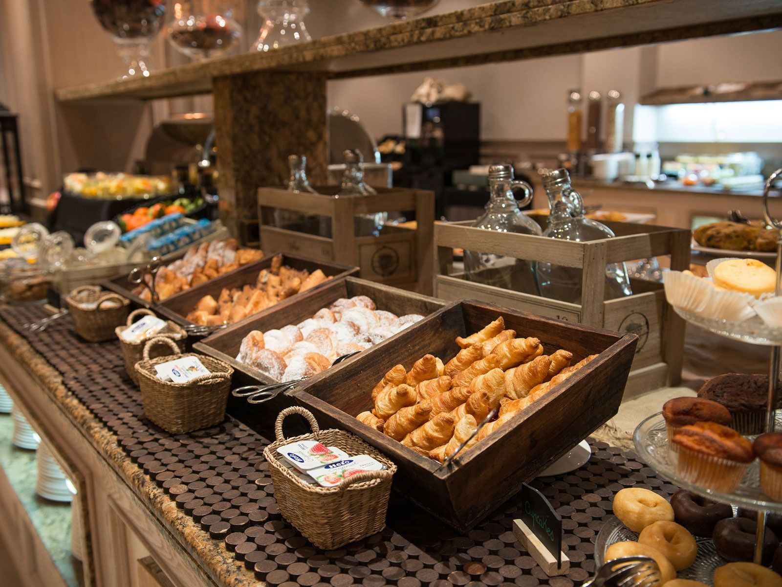 Imagenes De Buffet De Desayunos Buscar Con Google