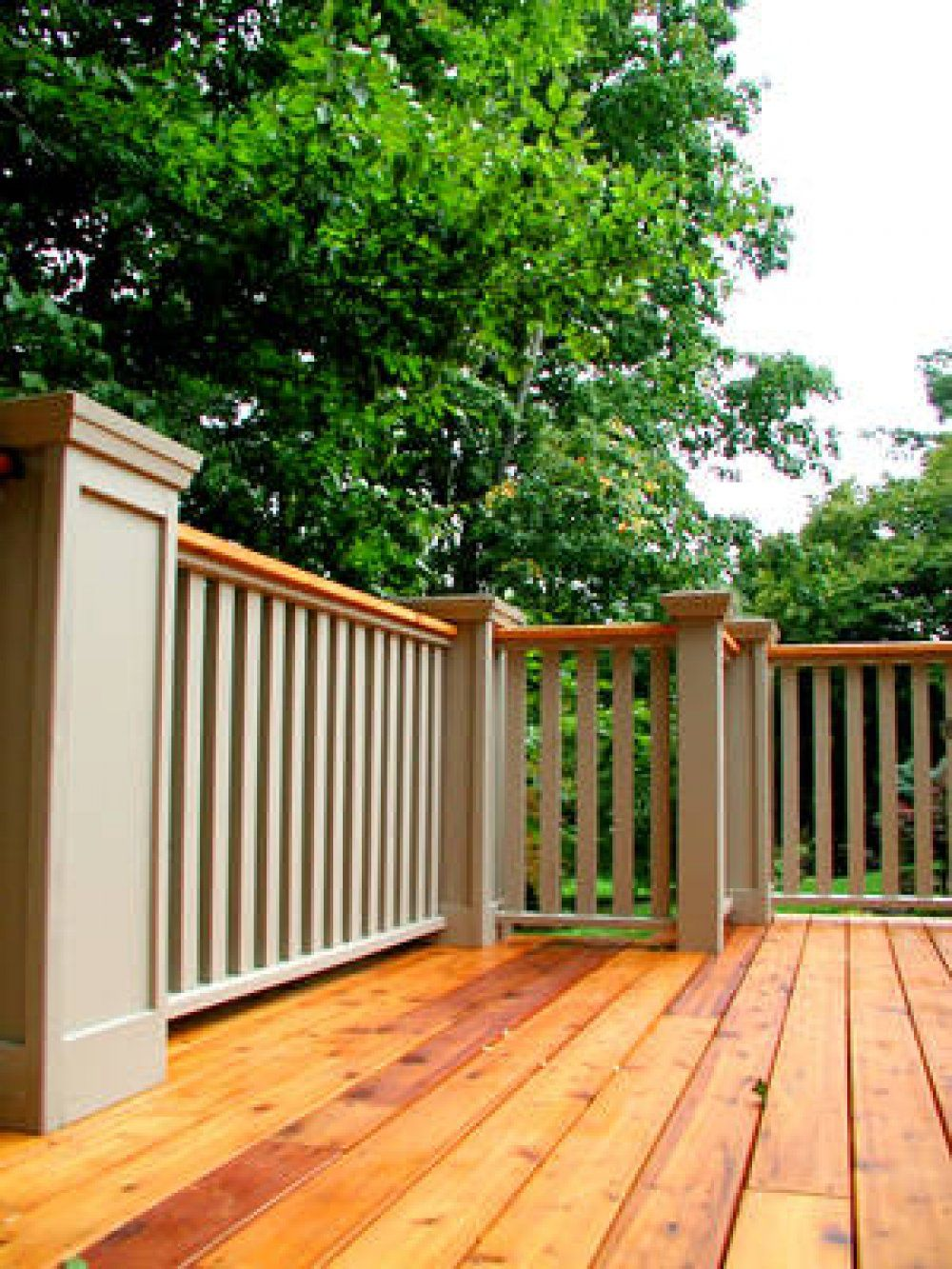 This Deck Railing Has Wooden Posts With Decorative Tops Deck Railing Design Wood Deck Railing Custom Deck Railing