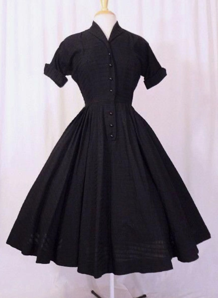 4 The Lbd In 2021 50s Fashion Dresses Shirtwaist Dress Vintage 1950s Dresses [ 1182 x 868 Pixel ]