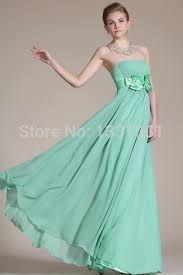 Resultado de imagem para vestidos longos para casamento verde