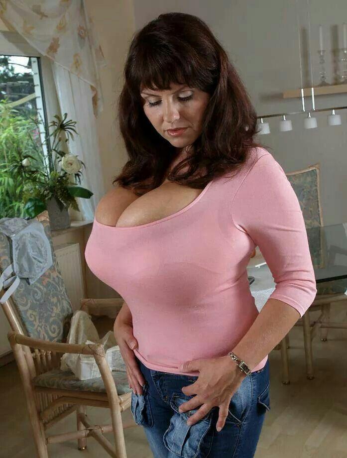 Melina Boob 74