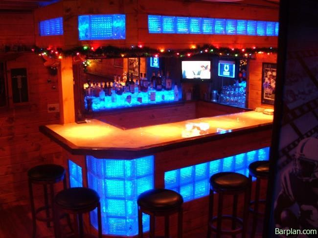 Charmant No Need To Go Out To A Nightclub With This In Home Man Cave Bar