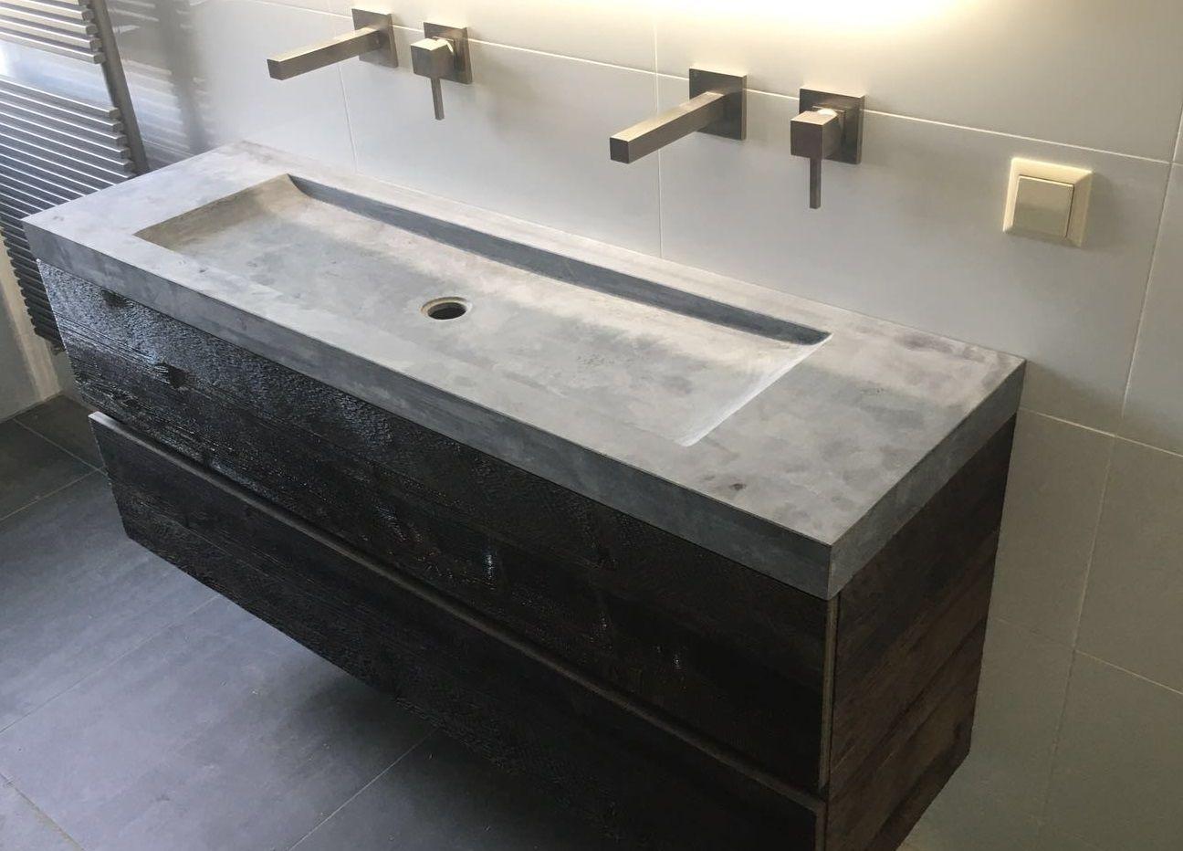 badmeubel barnwood, zwevend met wasbak van geschuurd hardsteen, Badkamer