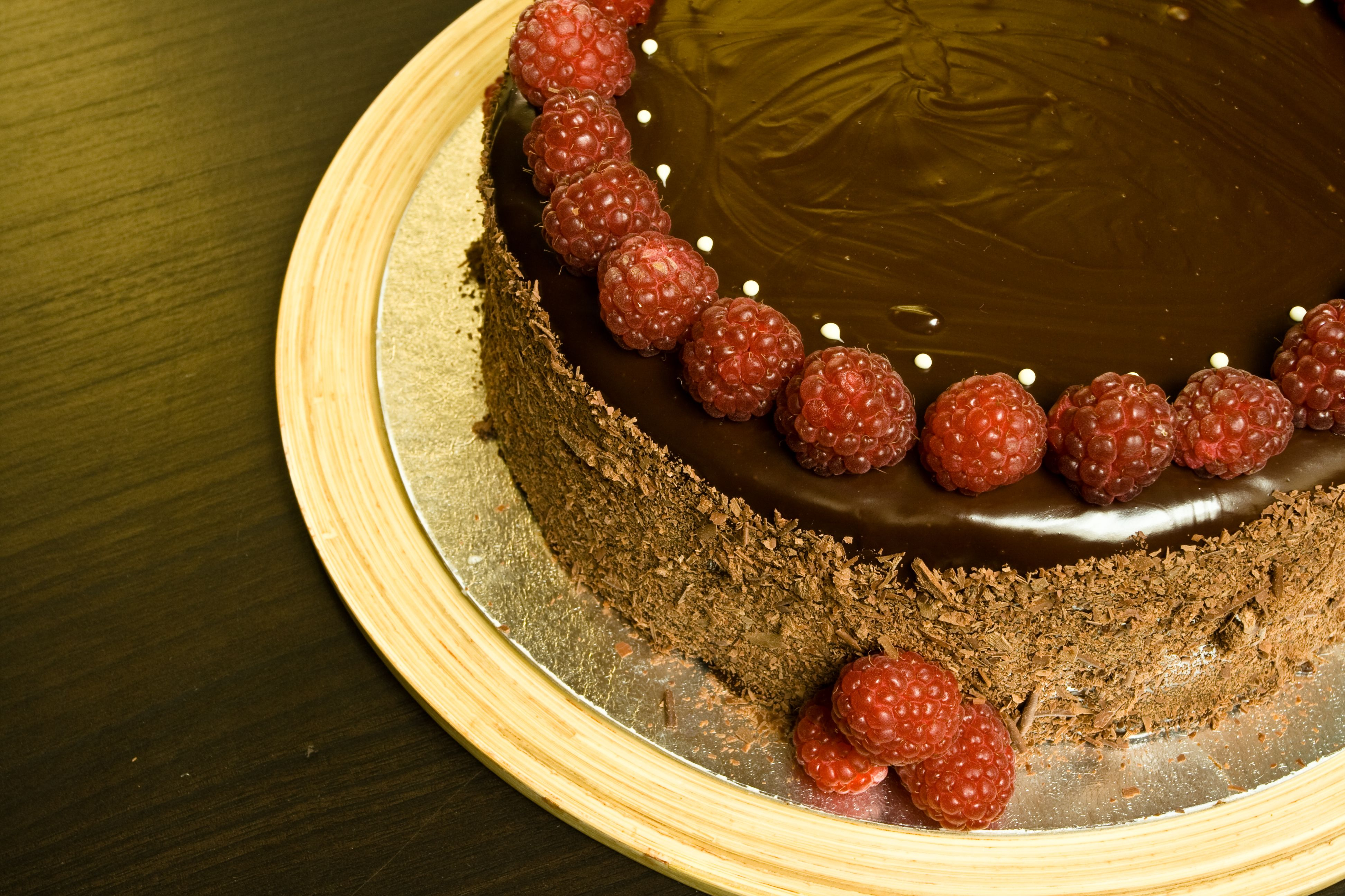 Naked Chocolate Cake - The Easiest Way To Decorate A Cake