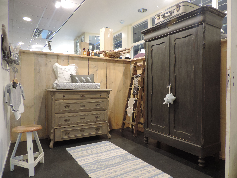 Biedermeier Kast Wit : Biedermeier kast tweedehands brocante meubels bij het