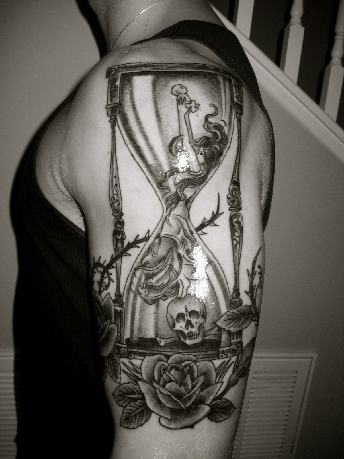 Sand clock tattoo designs  Important Meanings Behind the Hourglass Tattoo | Hourglass tattoo ...