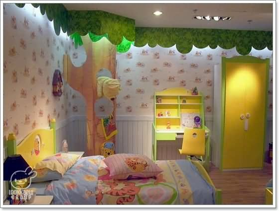 makenzie would love this bedroom cause she loves piglett pooh and her favorite color is green really wish i could do something like this for her