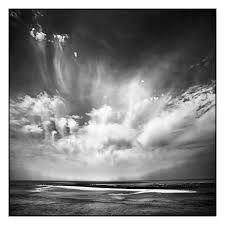 """Résultat de recherche d'images pour """"photos océan noir et blanc"""""""