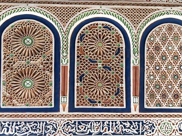 Found the beautiful art and architecture in Marrakech.  イスラム教の神学校ベンユーセフマラドサは、タイルや壁の装飾のディテールが繊細で本当に綺麗。 #marrakech #benyoussef #benyoussefmadrasa #morocco #medina #mosque #school #islamic #tile #wall #art #architecture #voyage #travel #africa #travelgram #神学校 #ベンユーセフマドラサ #インテリアデザイン  #アート #建築 #マラケシュ #モロッコ #アフリカ #旅行 by ma_raison_d_etre. インテリアデザイン #benyoussef #アフリカ #school #アート #benyoussefmadrasa #wall #tile #marrakech #africa #travel #建築 #architecture #モロッコ #islamic #medina #travelgram #voyage…