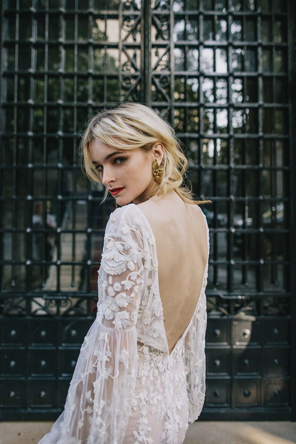 Lueto bridal backless boho wedding dress with sleeves will stop the