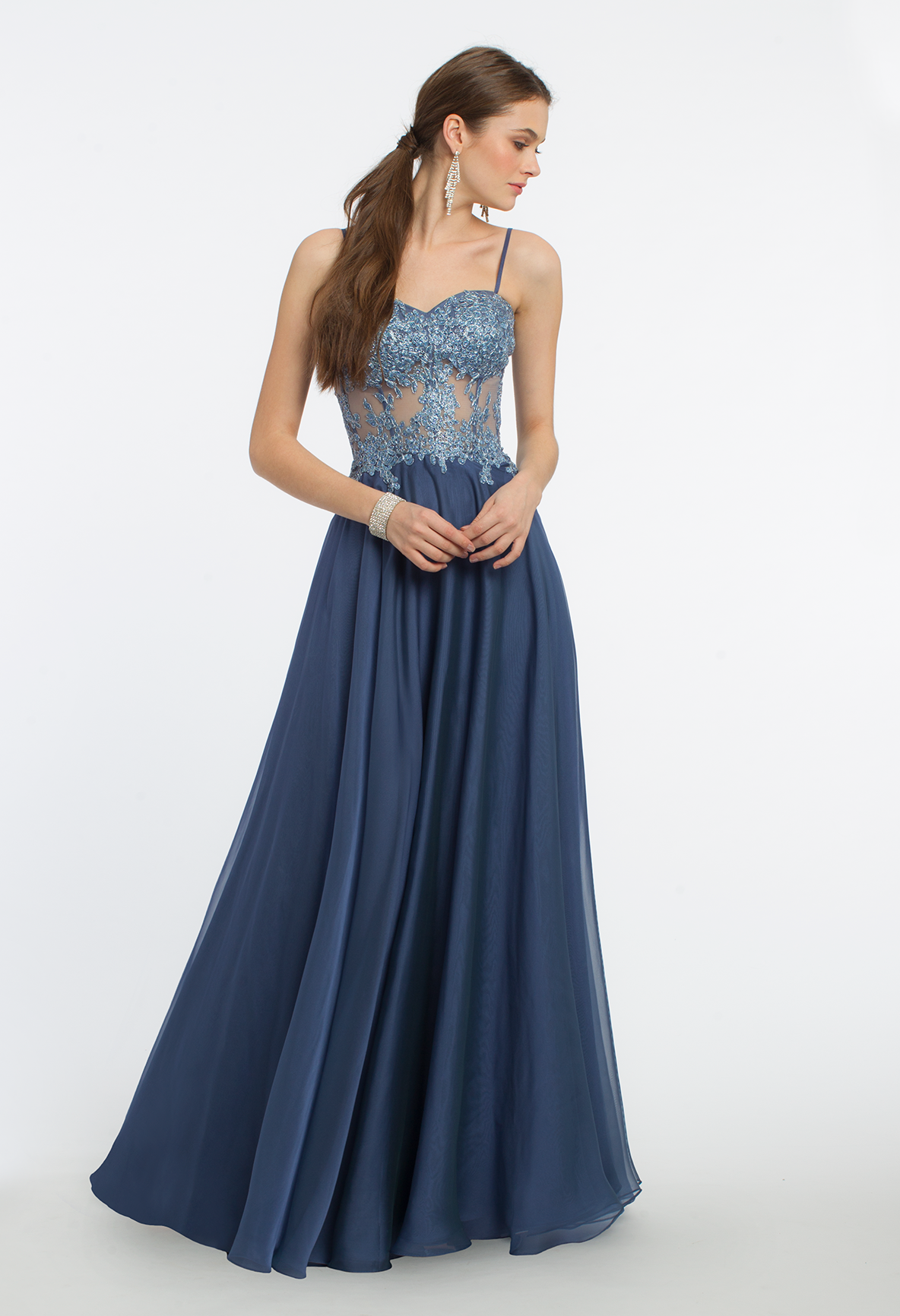 Step Into A Dream Like Atmosphere In This Ethereal Evening Gown The Spaghetti Straps Molded Cups I Evening Dress Fashion Chic Cocktail Dress Gorgeous Dresses [ 1732 x 1184 Pixel ]