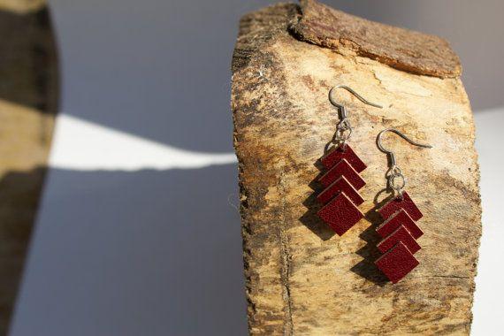 Just Squares  Bordeaux oorbellen van leer van LiemNio op Etsy