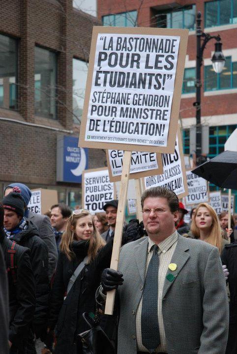 «Manif» de droite pour la hausse des frais de scolarité. 1er avril. https://www.facebook.com/events/398682540159699/     Photo : André Querry