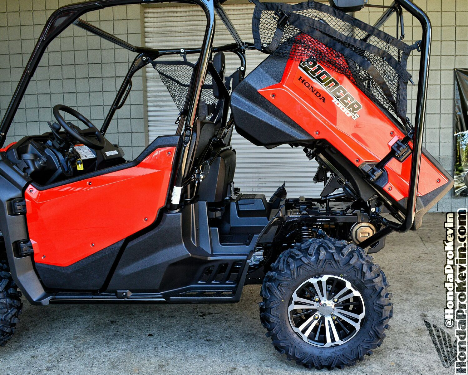 honda pioneer 1000 5 seater utv side by side atv sxs. Black Bedroom Furniture Sets. Home Design Ideas