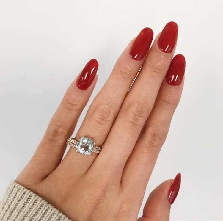 Sweater Weather Mid Length Oval Acrylic Nails Oval Acrylic Nails Red Acrylic Nails Acrylic Nail Designs