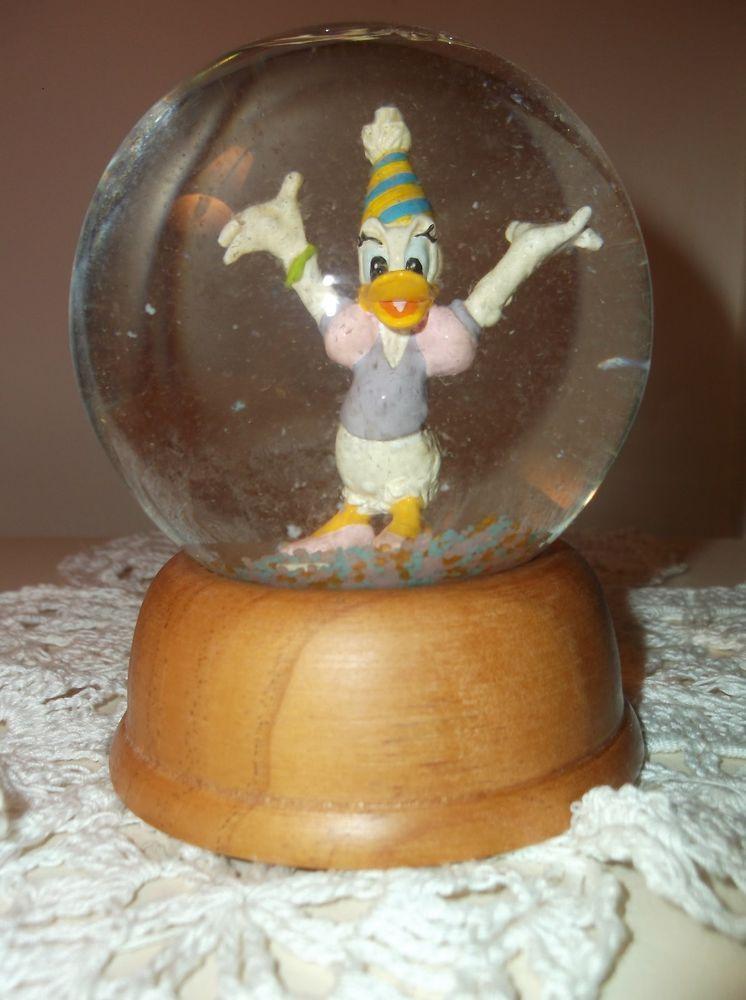 Daisy Duck Disney Crystal Snow Globe by New England Collectors Society…