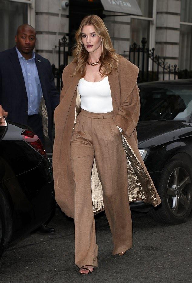 Rosie Huntington Whiteley Beige Oversized Trench Coat Street Style London 2020 on SASSY DAILY – Bohem