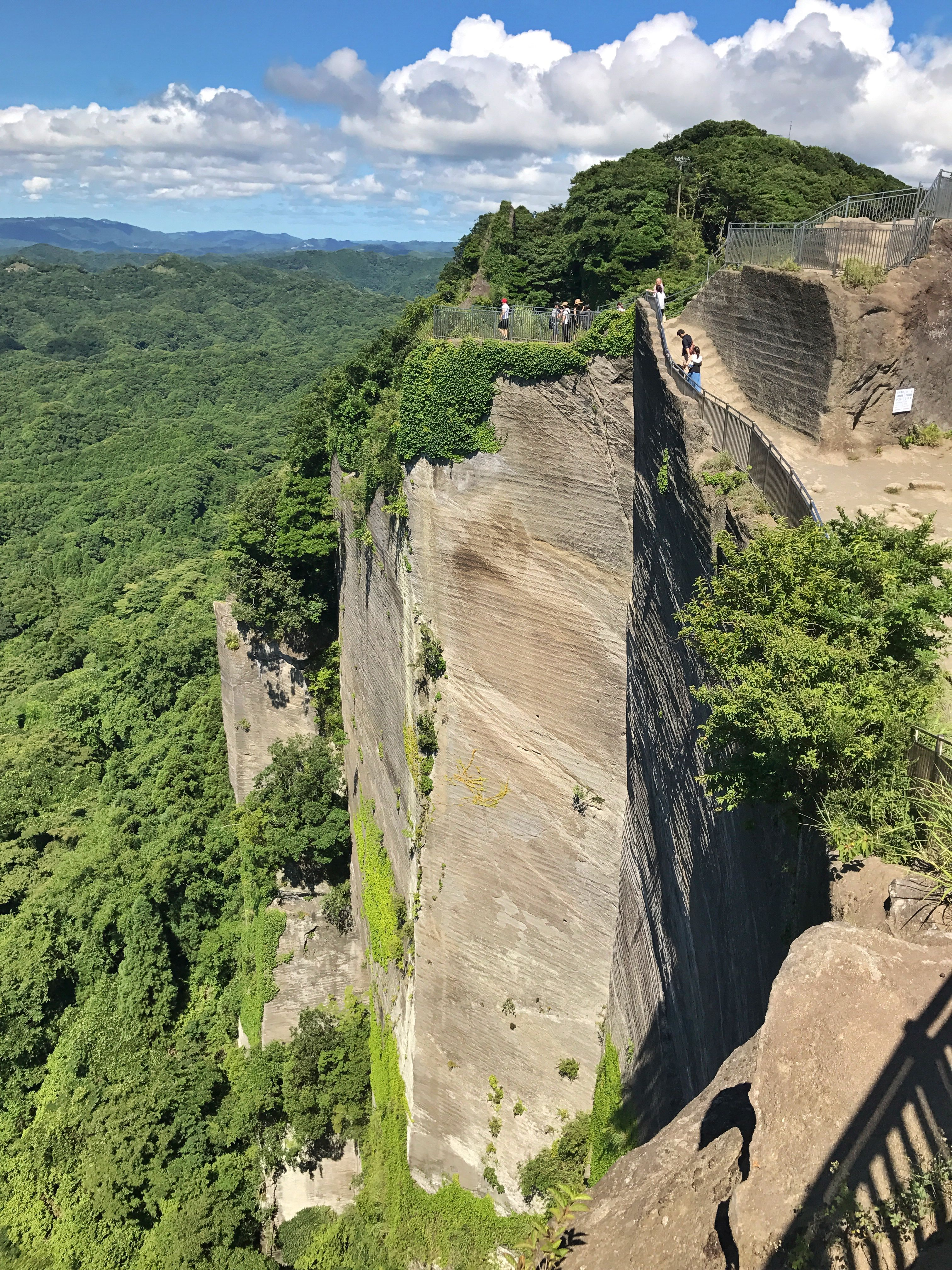 Mt. Nokogiri, Chiba, Japan/ 鋸山, 千葉   Been there and done that!   Places ive ...