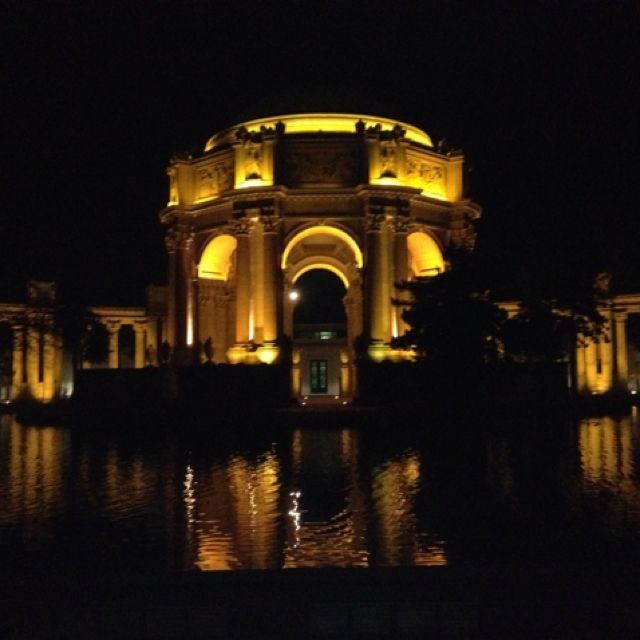 Palace of Fine Arts at night.
