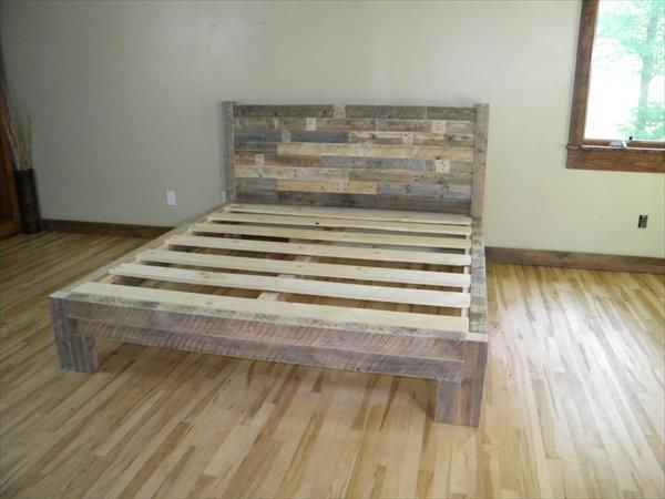 Diy Pallet Bed Pallet Furniture Plans Skid Pallet Beds Wooden
