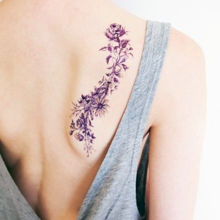 Tatuaze Damskie Kwiaty Na Lopatce Rose Tattoos Tattoos Hip Tattoo