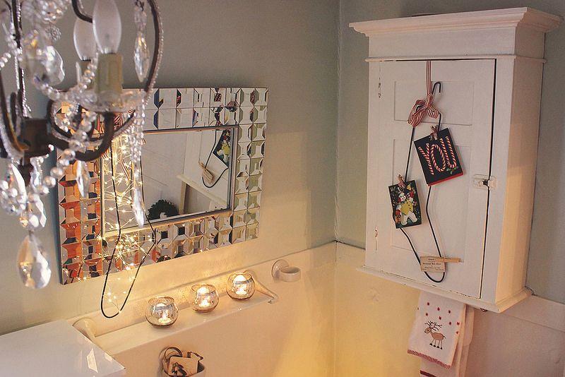 Diy Christmas Decor Bathroom Decorating On A Dime Using Thrifty