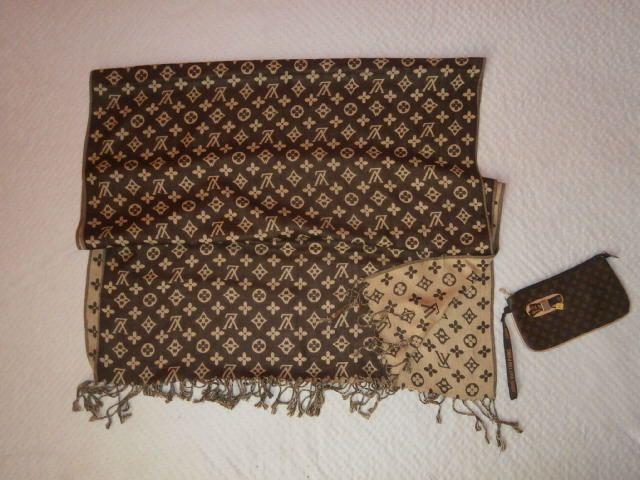 Wielki Dzianinowy Szal Z Napisami Lv Etui Gratis Louis Vuitton Damier Louis Vuitton Pattern