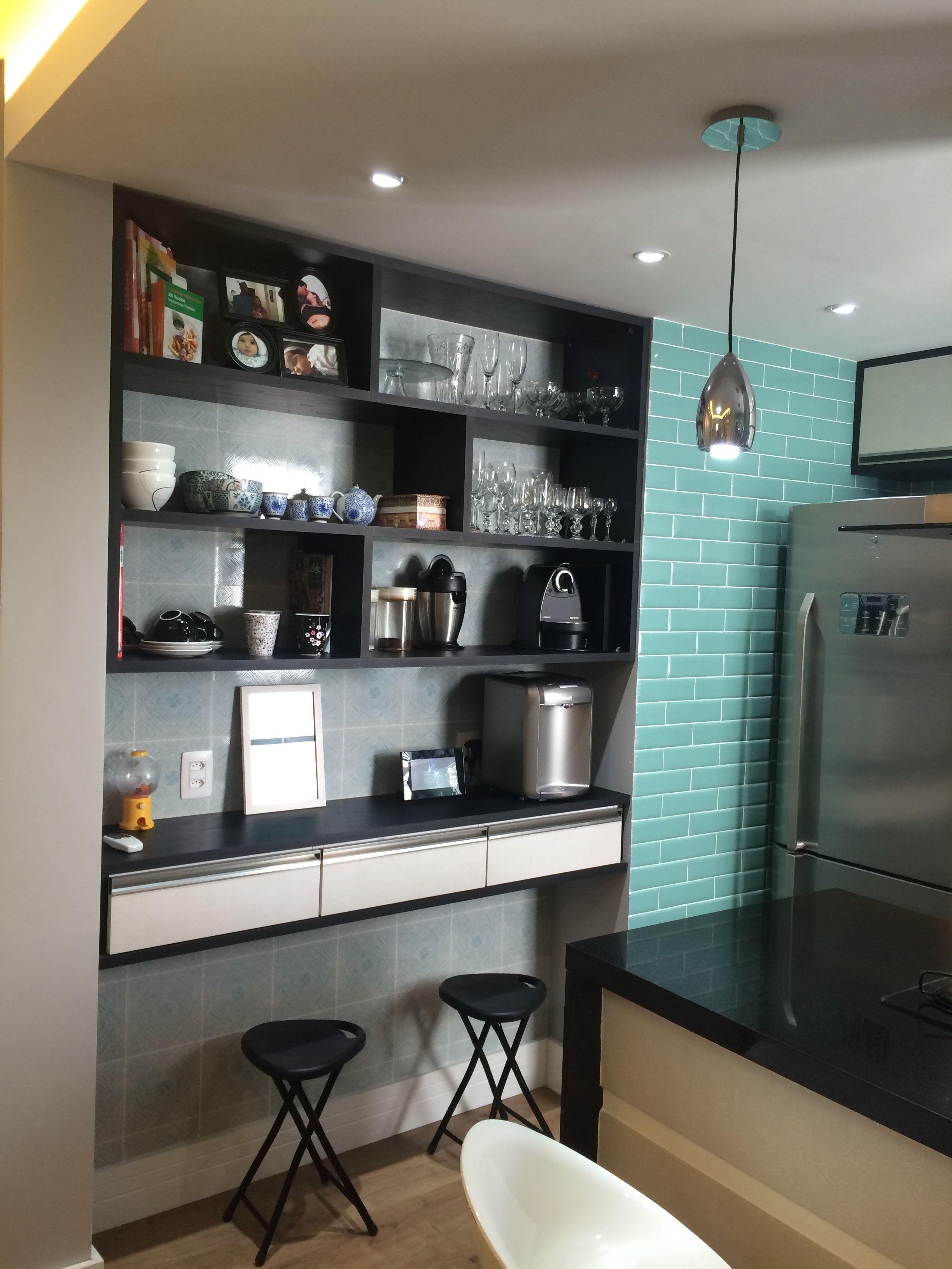 Cozinha Gourmet Revestimento Turquesa E Arm Rios Pretos